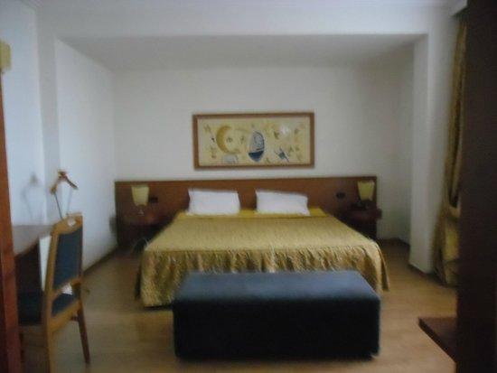 Butrinti Hotel: Sypialnia