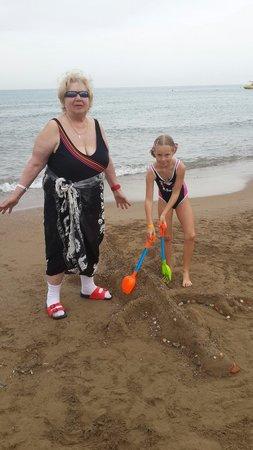 Sirma Apart & Otel: We made a sandy crocodile