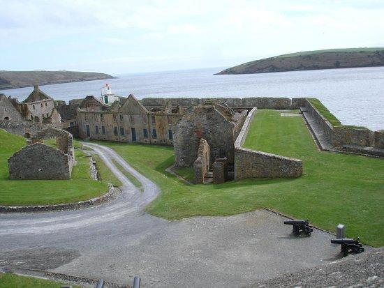 Fortaleza Charles Fort: Charles Fort Walls