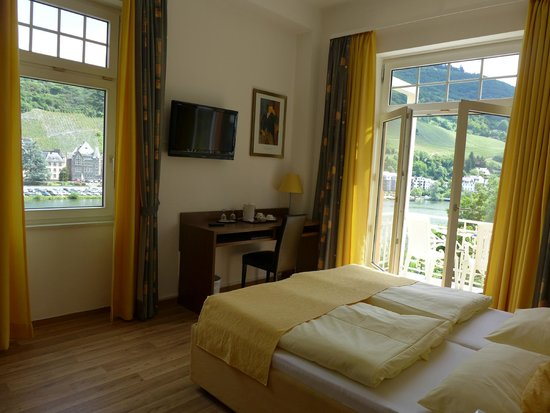 Hotel Drei Konige: Room with views