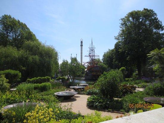 Laghetto interno fotograf a de jardines tivoli for Jardin tivoli