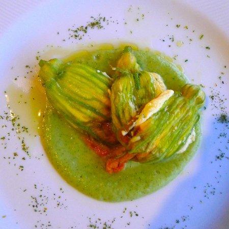 La Terrazza: Zucchini flowers with sheep ricotta and marjoram on zucchini cream