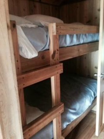 Tremont Outdoor Resort : bunk beds