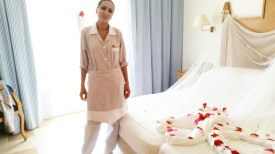 Concorde Hotel Marco Polo: Emmin our maid