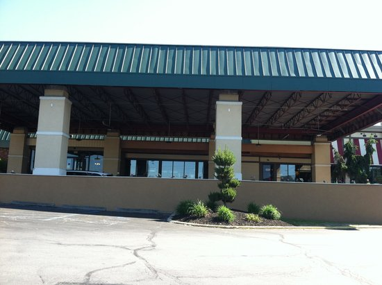 Quality Inn & Suites Conference Center: The Front Lobby - Outside
