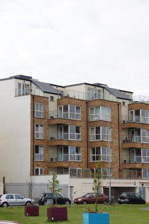 Jameson Court Apartments: das Haus von der Straßenseite