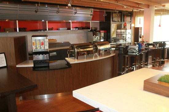 Country Inn & Suites by Radisson, Dallas-Love Field (Medical Center), TX : Breakfast Buffet Area