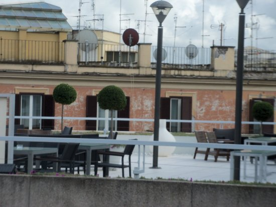 Visconti Palace: Rooftop lounge
