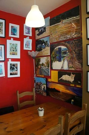 The Beached Lamb Cafe : You can also buy some paintings of local artists