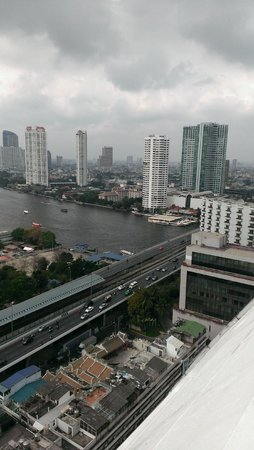 Centre Point Hotel Silom : Day view from our room