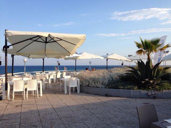 Terrazza sul mare foto di estoril beach club genova - Terrazzi sul mare ...