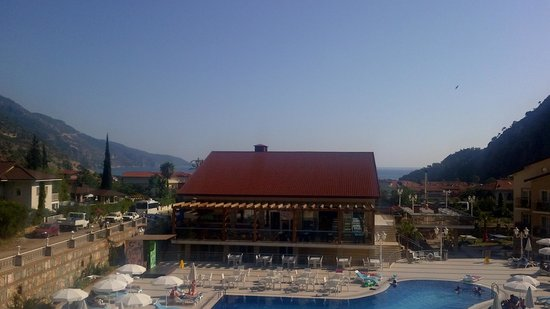 Marcan Resort Hotel: Pool and sea view