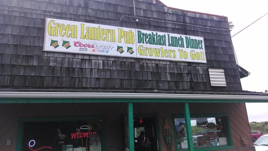 Green Lantern Tavern: The only eatery in Copalis Beach