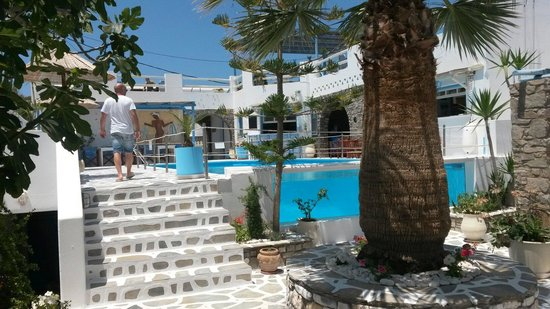 Captain Dounas Apartments & Studios: Zona relax/colazioni