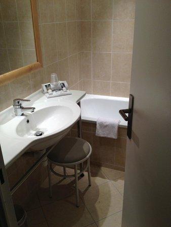 Mercure Tours Centre Gare: Bathroom
