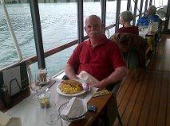 BLS Schifffahrt : Lunch on board with wonderful views
