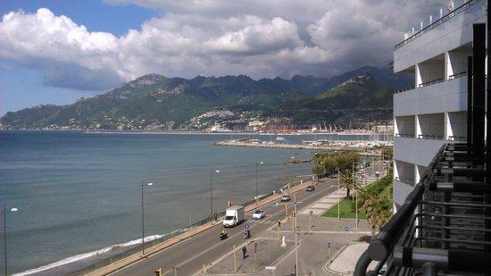 Grand Hotel Salerno: Vista desde el balcon