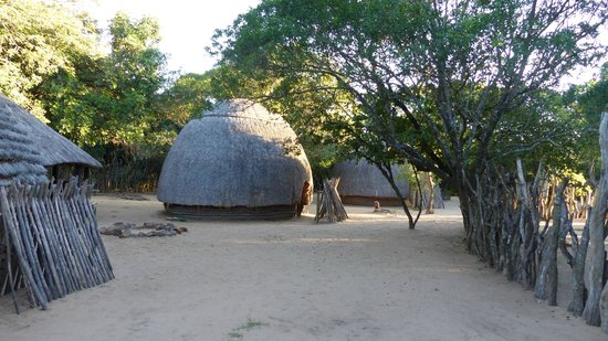 Gooderson DumaZulu Lodge and Traditional Zulu Village: View of the Zulu Village