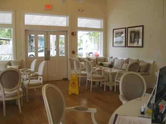 The Paradise Inn : Lobby
