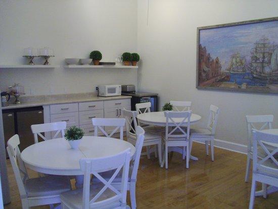 The Paradise Inn : Breakfast Area