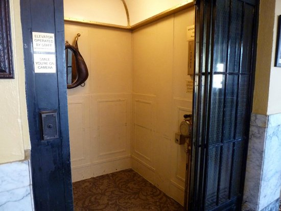Murray Hotel: Elevator from 1905