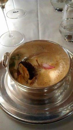 Le Rempart : quenelle brochet - morilles - cuisse de grenouille - sauce nantua