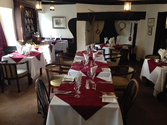 The West Arms Hotel: dining area