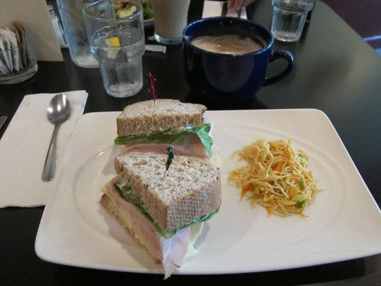 Cold Mountain Cafe: turkey sandwich