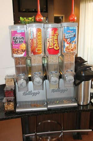 Country Inn & Suites by Radisson, Dallas-Love Field (Medical Center), TX : Cold Cereal Selection