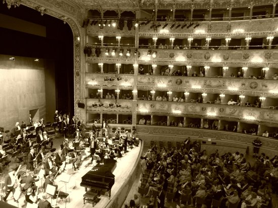 Teatro La Fenice: Stage and interior of La Fenice