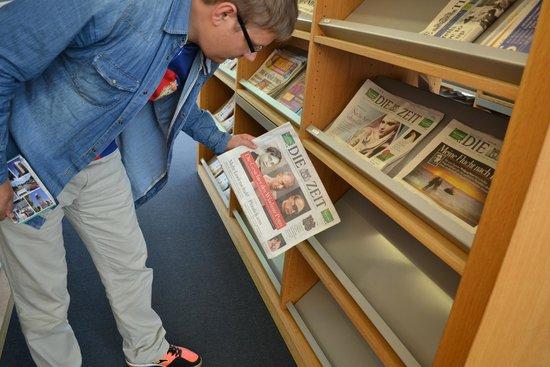 Bibliothèque de la ville de Turku : Зал периодики