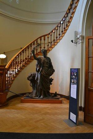 Bibliothèque de la ville de Turku : Лестница на второй этаж