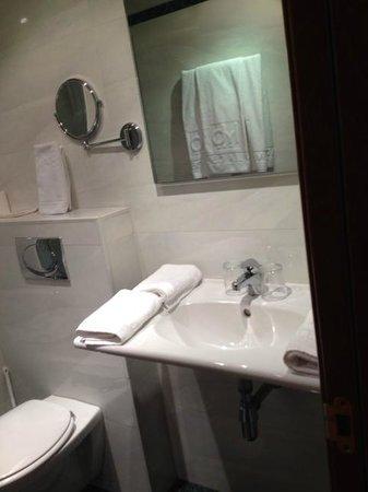 Hotel Villa De Barajas : Detalle lavabo