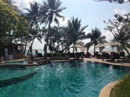 Chaweng Garden Beach Resort: pool