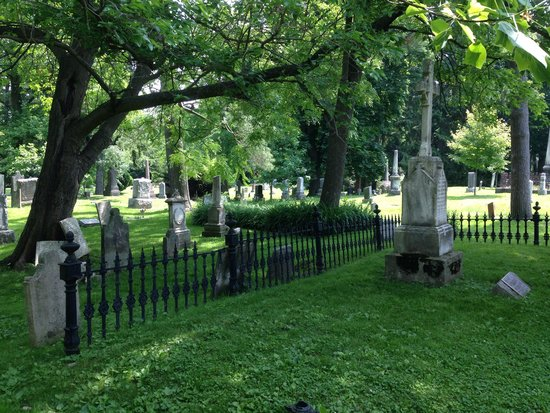 Old Town Tours: Cemetery