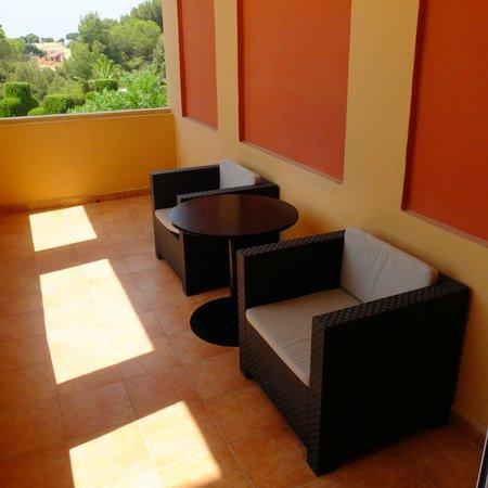 Hôtel Le Provençal : terrasse privative chambre double supérieure