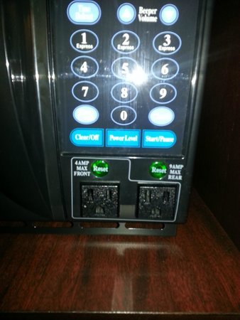 Comfort Inn: Microwave had a nice pair of convenience plugs  - say for a kettle.