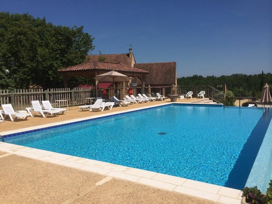 Piscine photo de camping le montant sarlat la can da for Camping sarlat avec piscine