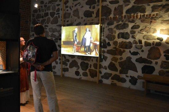 Castillo de Turku: Фильм про процесс облачения рыцарей
