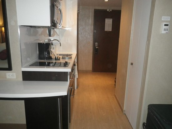 Staybridge Suites Times Square - New York City : KITCHENETTE