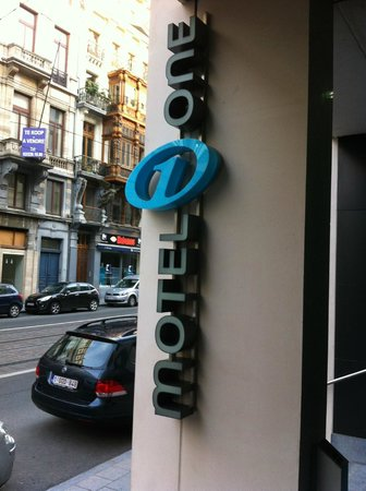 Motel One : entrance