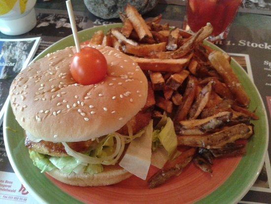 Bistro Memory: Chicken burger mit hausgemachter Pommes Frites