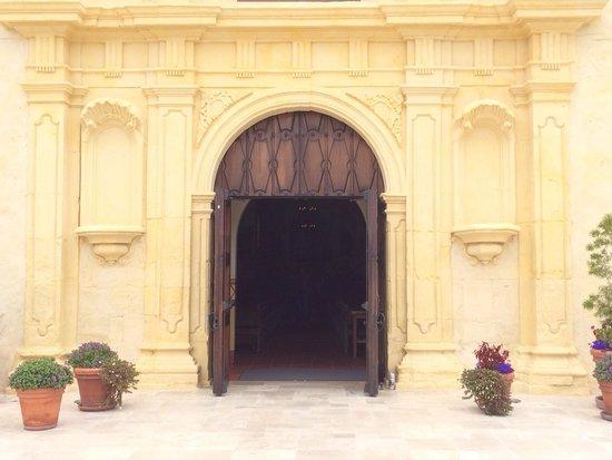 San Carlos Cathedral: Ornate door