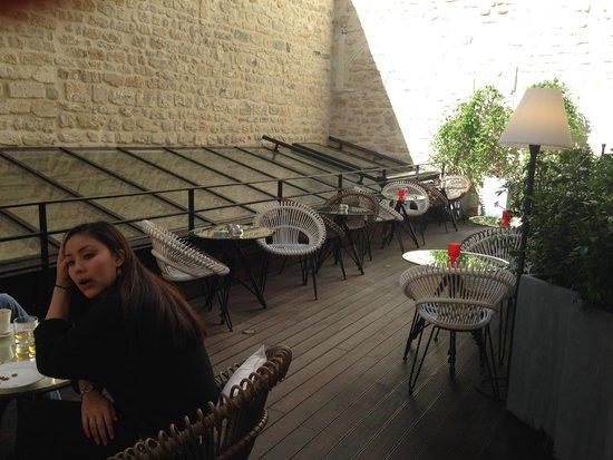 Le 123 Sébastopol - Astotel  : patio adjacent to lobby