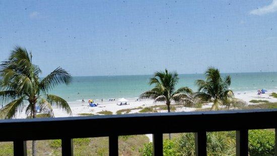 Ocean's Reach Condominiums: beach