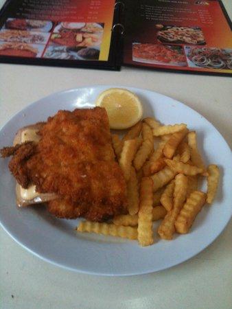 German Food Corner: Cordon Bleu mit Pommes