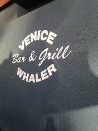 Venice Whaler Bar & Grill : You Want to Eat/Drink Here