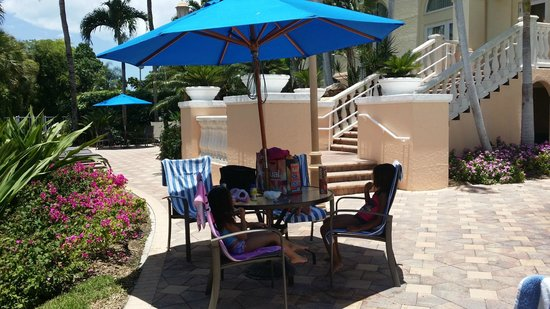 Hilton Naples: My kids