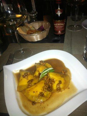 Ristorante Cortefreda: heerlijke ravioli, saus vol smaak