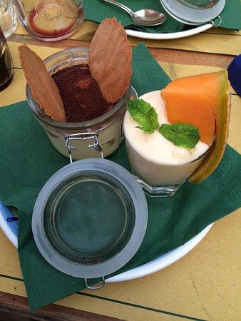 Osteria MEZZALUNA: Tiramisù e sorbetto al melone piccante